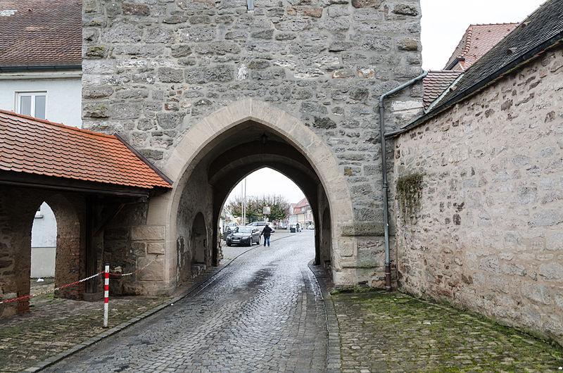 File:Schlüsselfeld, Oberes Tor, Marktplatz 1, 004.jpg