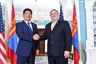Ukhnaagiin Khürelsükh - Khürelsükh with US Secretary of State Mike Pompeo in 2018