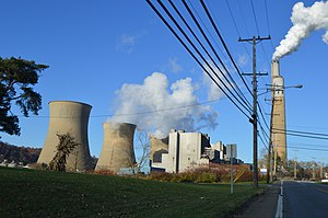 Shippingport, Pennsylvania - Cooling towers at the Bruce Mansfield Coal Power Station