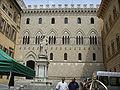 Siena, palazzo del monte dei paschi 2.JPG