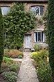 Sissinghurst Gardens 6 (4907902168).jpg