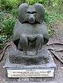 Skulptur Hardenbergplatz 8 (Tierg) Mantelpavian&Else Fraenkel-Brauer&.jpg
