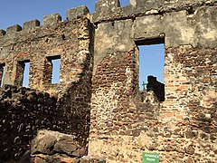 Slave Fort in The Gambia (23786058432).jpg