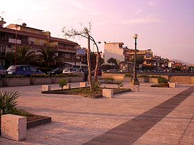 Small plaza of waterfront of Santa Teresa di Riva.JPG