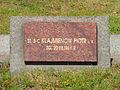 Soviet War Cemetery Warsaw 06.jpg