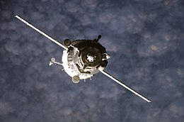 SoyuzTMA-10 Approaches ISS.jpg