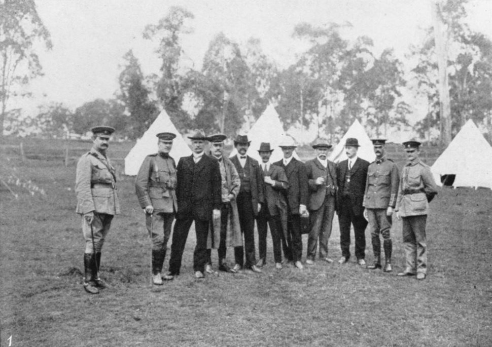 StateLibQld 1 178907 Hon. Andrew Fisher and his party visit the Army camp, 1914