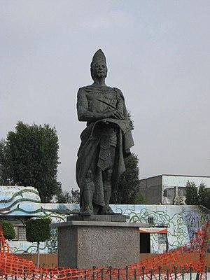 Ciudad Nezahualcóyotl - Statue of Nezahualcóyotl in the main plaza