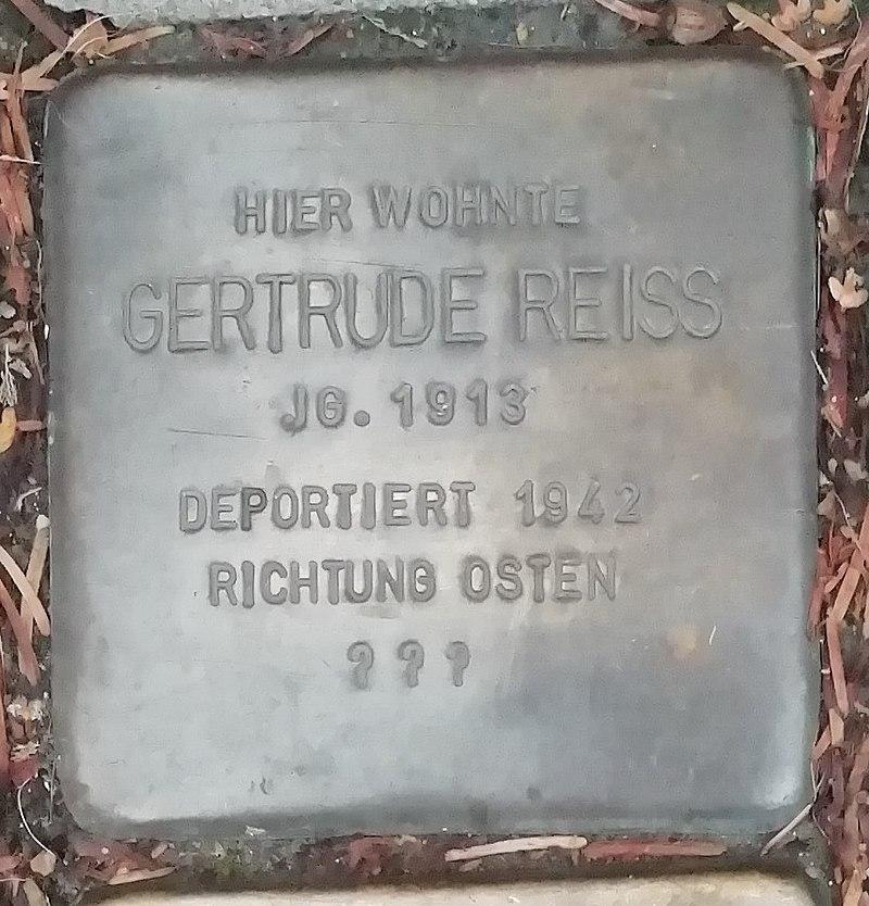 Stolperstein Gertrude Reiss