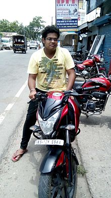 Subrata Ganguli with Pulsar NS 200.jpg