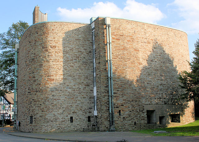 Datei:Suechterscheid Kirche.jpg