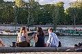 Sur les quais, Paris (35463574224).jpg