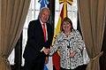 Susana Malcorra recibe a José Manuel García-Margallo.jpg