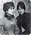 Suzanne Valadon et Jeanne Wenz (b) (c 1890) photo Francois Gauzi.jpg