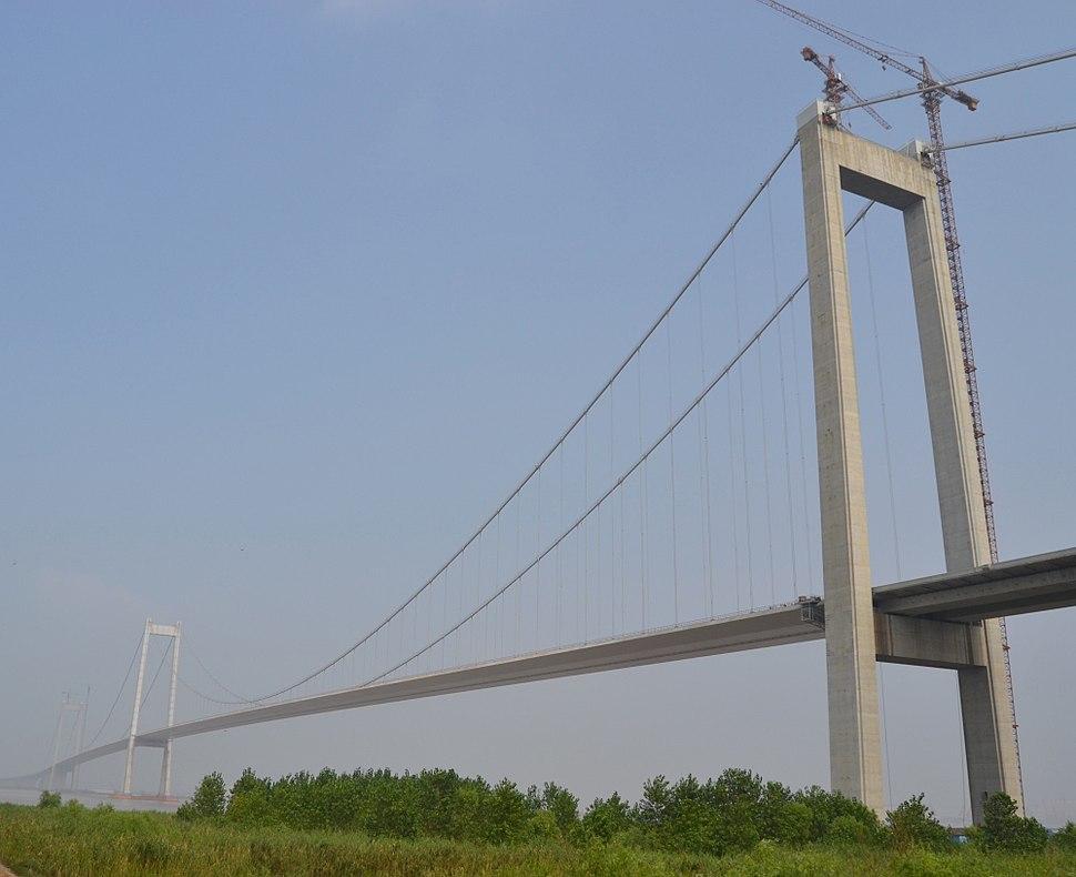 Taizhou Yangtze River Bridge.JPG