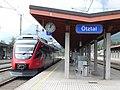 Talent Garnitur im Bahnhof Ötztal.jpg