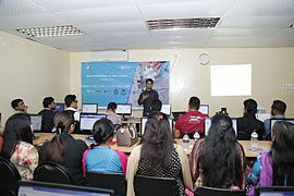 Tanweer Morshed in Bangla Wikipedia Workshop at CIU (03).jpg