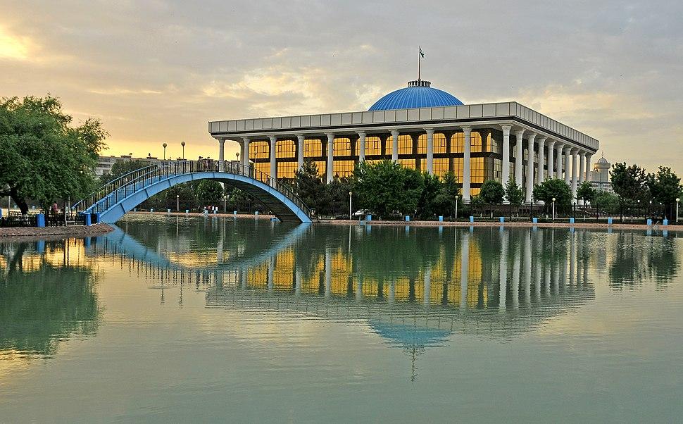 Tashkent, Paque Navoi 3