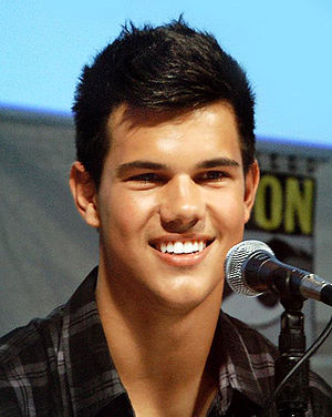 English: Taylor Lautner at 2009 Comic-Con Inte...