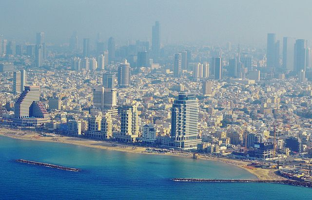 """Living in Tel Aviv: Get to Know The """"In"""" Crowd ~ Unlock"""