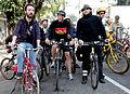 Thiago Benicchio, Felipe Aragonez e Fernando Haddad pedalando.JPG