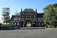 The Gate House on Devonshire Road Thorncliffe Cemetery, Barrow.jpg