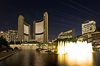 Toronto City Hall night view.jpg