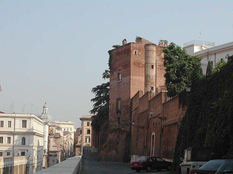 Torre degli Annibaldi 0308-02.JPG