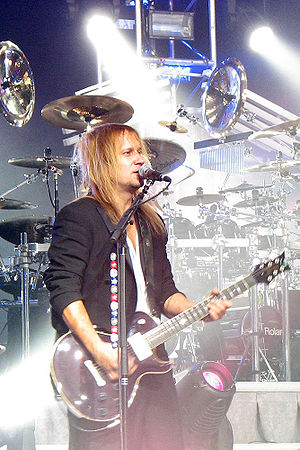 Trans-Siberian Orchestra - Chris Caffery performing with TSO, 2007