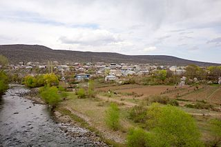 Tsurtavi and Khrami River.jpg