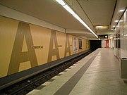 U-Bahn Berlin Adenauerplatz Nach Sanierung.JPG