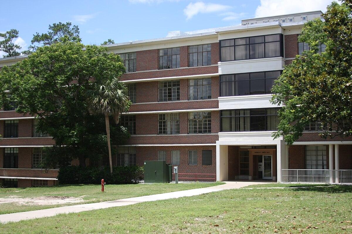 Riker Hall (Gainesville, Florida) - Wikipedia