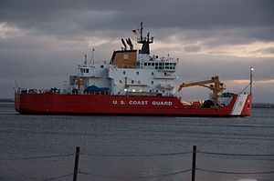 USCGC Mackinaw Entering Duluth Harbor -a.jpg