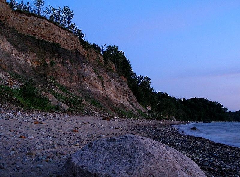 800px-Udria_cliff.JPG