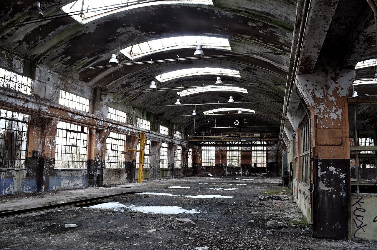File Usine abandonn u00e9e JPG   Wikimedia Commons