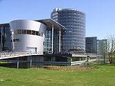 VW-Manufaktor in Dresden (Aussenansicht).JPG