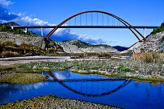 La Vicaria Arch Bridge through arch bridge that spans the Segura River