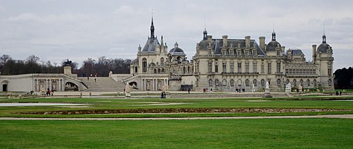 View of Chateau de Chantilly from Andre de Notre's French Garden (13041099185)
