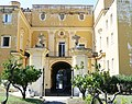 Villa Ruggiero, Ercolano. Facciata interna verso i giardini.jpg