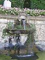Villa reale di marlia, teatro d'acqua, fontana con vasca e mascherone 05.JPG