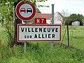 Villeneuve-sur-Allier-FR-03-panneau d'agglomération-01.jpg