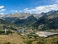 Vista de Sallent de Gállego desde el pico Pacino - WLE Spain 2015.jpg