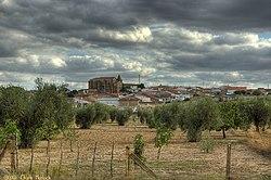 Vista del pueblo de Aljucen.jpg