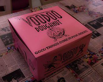 Voodoo Doughnut - Voodoo doughnut pink box