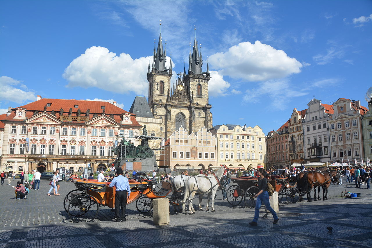 File voyage17 prague old town wikimedia commons for Prague square
