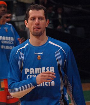 Vule Avdalović - Avdalović with Pamesa Valencia.