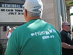 WI Union activists protest outside McCain Town Hall in Racine, July 31, 2008 (2722177109).jpg