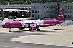 WOW air, TF-SON, Airbus A321-211 (29454414677).jpg