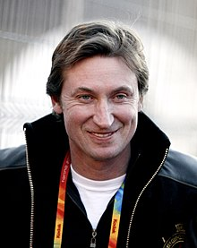 A colour photograph of Wayne Gretzky in 2006