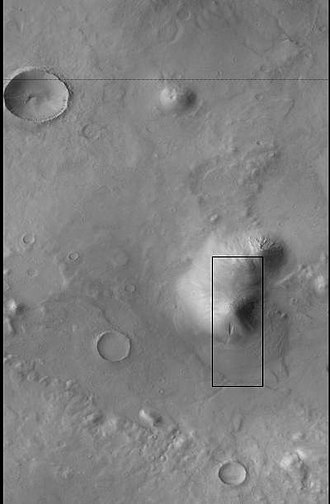 Terra Sirenum - Image: Wide view of gully on hill